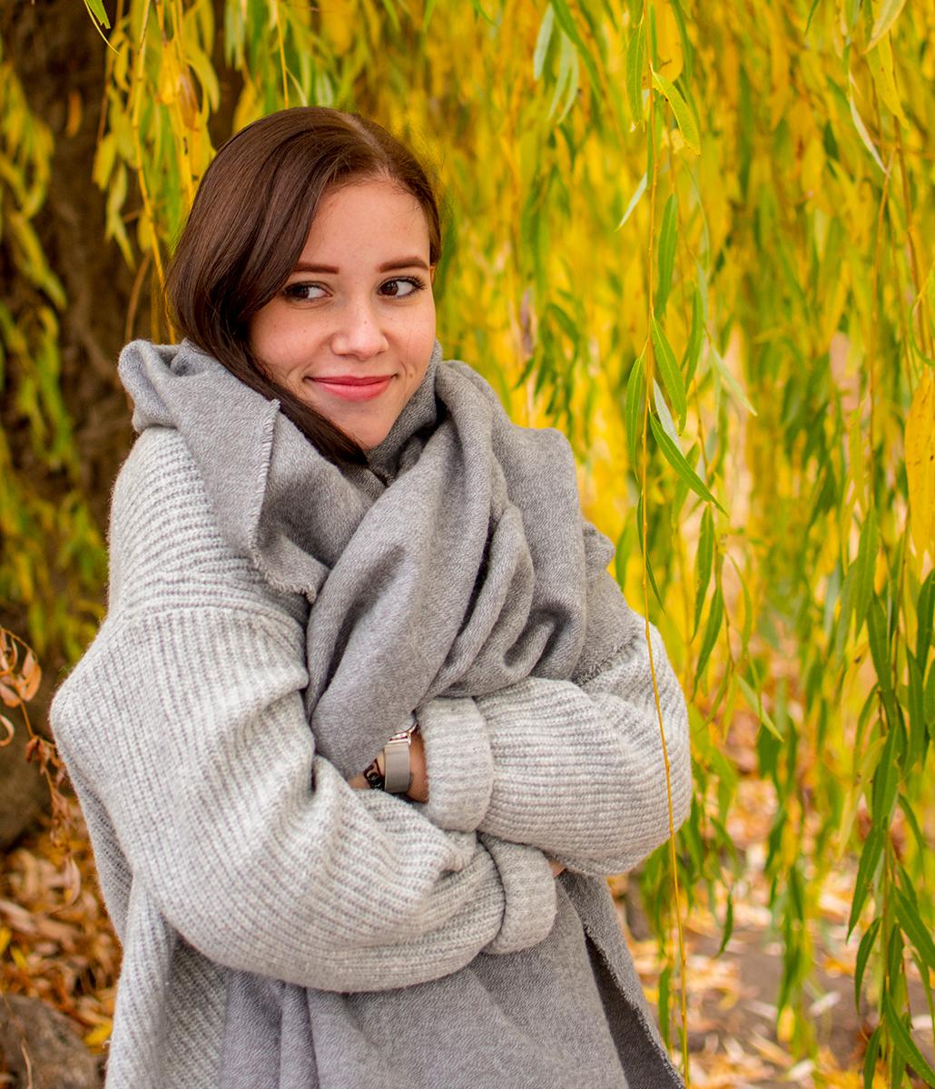 Jenny aus Magdeburg auf die Votze gespritzt